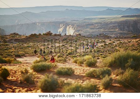 October 25, 2015 - Horseshoe Bend: Tourists Walking To Horseshoe Bend, In The Colorado Canyon, Arizo