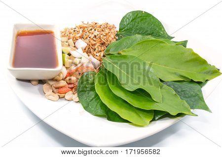 Leaf-wrapped Bite-size Appetizer