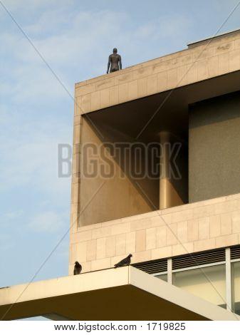 Figure On Building2