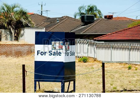House Land For Sale In The Subrubs