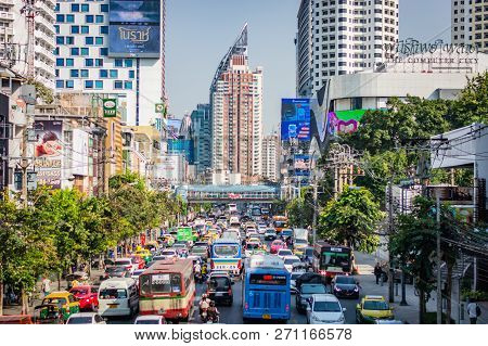 Bangkok, Thailand - November 2018: Street In Bangkok (thailand), A Big Traffic Jam, A Lot Of Cars An