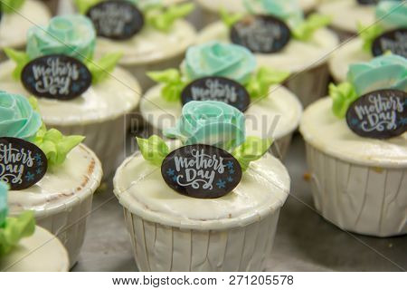 Mother's Day Sweet Cup Cake Dessert