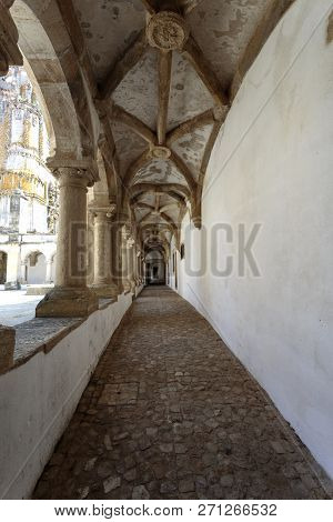 Tomar, Portugal - June 24, 2018:  View Of The Narrow Ambulatory Of The Hostelry Cloister, In The Con