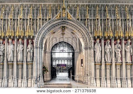York, England - April 2018: The15Th Century Stone Screen Called The Kings Screen Curtained Between T