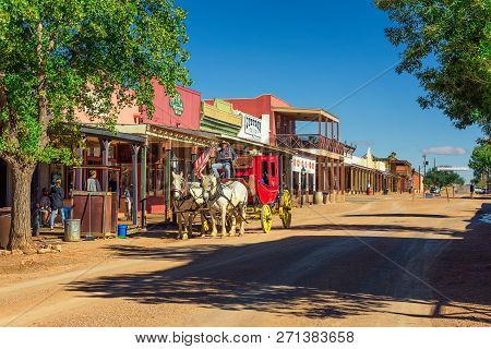 Tombstone, Arizona, Usa - October 17, 2018. Historic Allen Street With A Horse Drawn Stagecoach In T