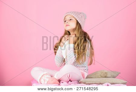 Child Long Hair Warm Woolen Hat Enjoy Warm And Softness. Kid Girl Wear Knitted Warm Hat Relaxing Pin
