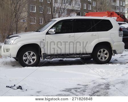 Kazakhstan, Ust-kamenogorsk - 27 November, 2018. Toyota Land Cruiser Prado 120 In The Parking Lot. T