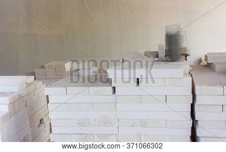 White Lightweight Concrete Block,used In The Wall