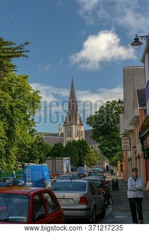 Glengarriff, Ireland - July 02,  2005: Main Street In Beautiful Village Of Glengarriff Situated On B