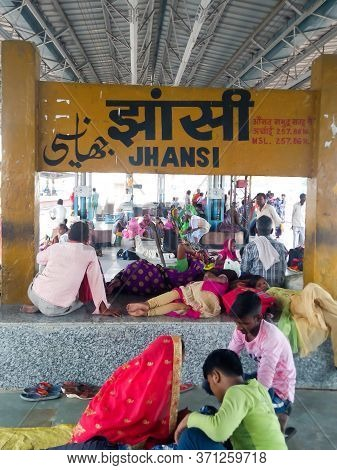 Migrants Workers Sitting In Indian Railways Platform With No Food, Water As Trains Run Late By Sever