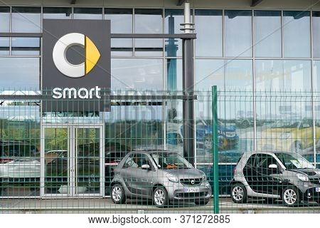 Bordeaux , Aquitaine / France - 10 15 2019 : Smart Dealership Sign In Front Dealership Showroom Germ