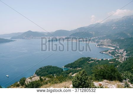 The Road Along The Coast On The Adriatic Coast In Montenegro, Through The Cities - Przno, Kamenovo,