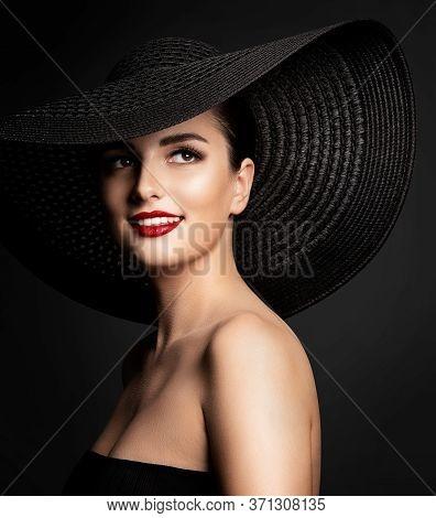 Woman Beauty In Wide Broad Brim Hat, Smiling Beautiful Fashion Model In Black