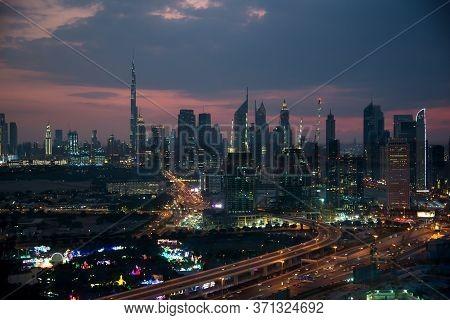 Dubai - November 15: Downtown Dubai At Violet Spectacular Nice Sunset. View From Dubai Golden Frame,
