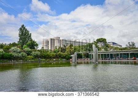 Lisbon, Portugal - July 5, 2019:  Restourant Linha D' Agua At Amalia Rodrigues Park In Lisboa, Portu