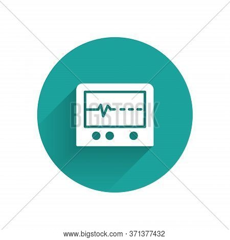 White Beat Dead In Monitor Icon Isolated With Long Shadow. Ecg Showing Death. Green Circle Button. V
