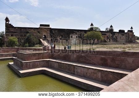 Gwalior, Madhya Pradesh/india : March 15, 2020 - Jahangir Palace In Gwalior Fort
