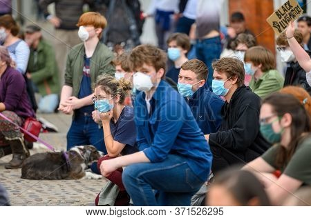 Richmond, North Yorkshire, Uk - June 14, 2020: Protesters Wear Ppe Face Masks While Kneeling At A Bl