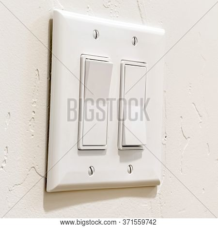 Square Wall Mounted Electrical Rocker Light Switch With Multiple Flat Broad Levers