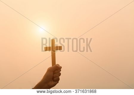 Crucifix, Sunset, Backdrop, Christian Religious Concept, Crucifixion Of Faith And Faith In God, Pray
