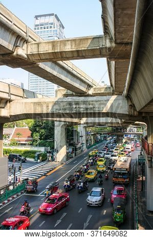 Separated Chalermphan At Siam Paragon 20/02/16 Time 15:09  Bangkok's Major Traffic Junction In The A