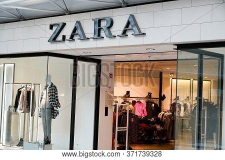 Bordeaux , Aquitaine / France - 09 24 2019 : Zara Retail Store Exterior Shop Logo