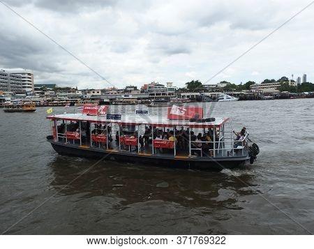 Chao Phraya River Bangkok Thailand-08 June 2019:landscape Of Bangkok And Ship Is Sailing In The Chao