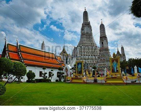 Wat Arun Ratchawararam Ratchawaramahawihan Bangkok Thailand.bangkok Thailand-15 July 2019:wat Arun I