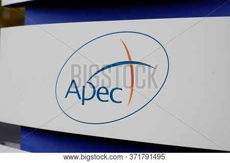 Bordeaux , Aquitaine / France - 03 07 2020 : Apec Logo Sign Association For The Employment Of Execut