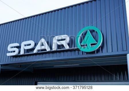 Bordeaux , Aquitaine / France - 12 28 2019 : Spar Sign Logo Store Supermarket On Market Shop Buildin