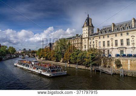 Paris , France - Sept 14, 2017. Sightseeing Cruise In The Paris River Seine.