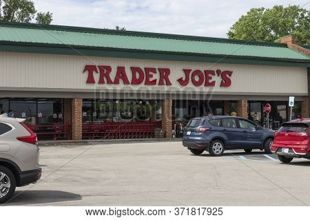 Indianapolis - Circa May 2020: Trader Joes Retail Location. Trader Joe's Is A Chain Of Specialty Gro