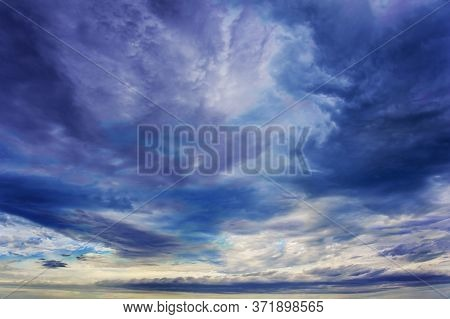 Natural Sky Composition. Sunset, Sunrise Dramatic Sky Abstract Background. Beautiful Cloudscape, Vie