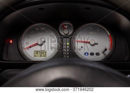 Novosibirsk/ Russia - June 10 2020: Suzuki Wagon R Solio, Round Speedometer, Odometer With A Range O