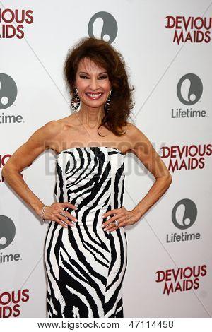 LOS ANGELES - JUN 17:  Susan Lucci arrives at the