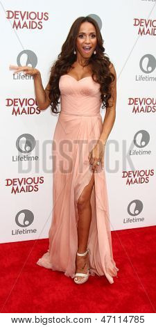 LOS ANGELES - JUN 17:  Dania Ramirez arrives at the