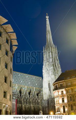 St. Stephens Cathedral  Stephansplatz Night Scene Vienna Austria Europe