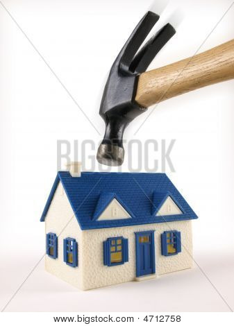 House Foreclosed Under Hammer