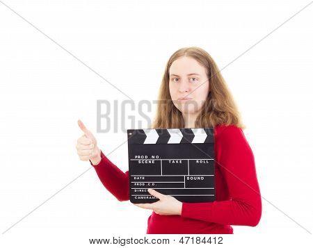 Weibsperson mit Filmklappe Daumen auftauchend