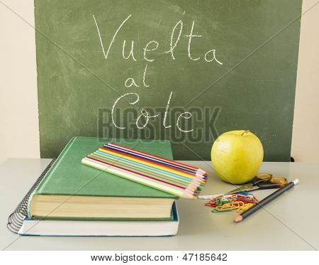 Back To School with Healthy food In Spanish: