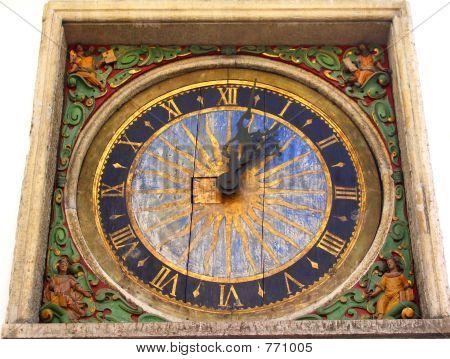 mittelalterliche Uhr