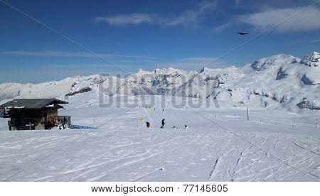 Beginning of Serpentine Cascades Ski Slope
