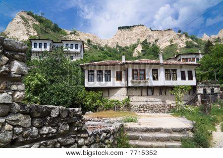 Melnik Houses