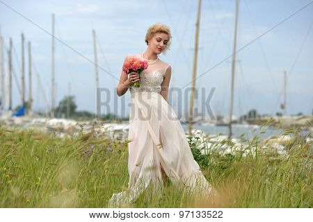 Bride With Bunch In Yacht Club