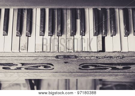 Piano Keyboard Vintage Style tone