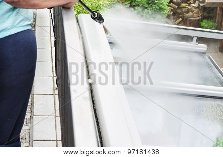 High Pressure Cleaning Glass Roof