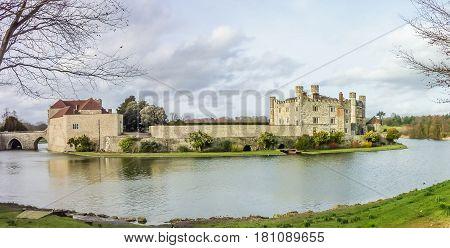 Historic Leeds Water Castle in England, Europe