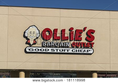 Lafayette - Circa April 2017: Ollie's Bargain Outlet. Ollie's Carries a Wide Range of Closeout Merchandise III