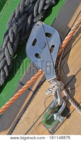 the new Yacht Pulley Blocks and Ropes