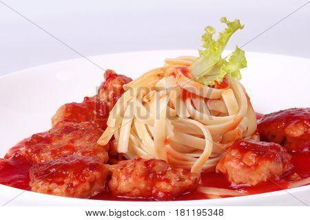 Meatballs Linguine Pasta With Tomato Sauce.